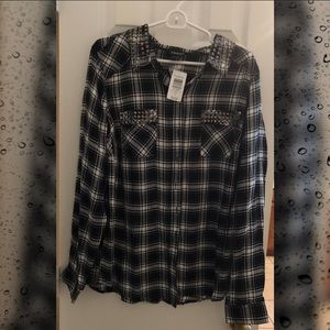 NWT Torrid Women's studded/plaid camp shirt
